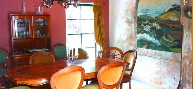 Villa della Rosa Gold Coast Hinterland Accommodation
