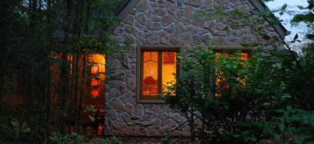 Witches-Falls-Cottages-Tamborine-Mountain-Accommodation