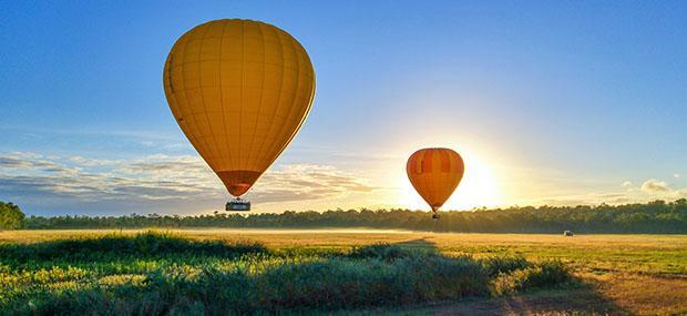 热气球-亚瑟顿高原-倾城-飞行-朝阳