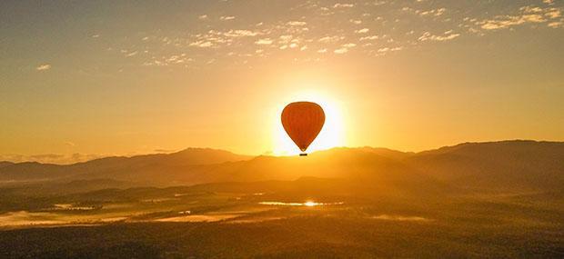 日出-每天-热气球-自驾